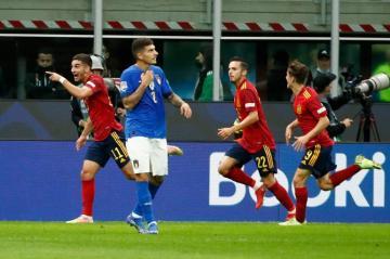 إسبانيا توقف رقم إيطاليا القياسي وتتأهل إلى نهائي دوري الأمم