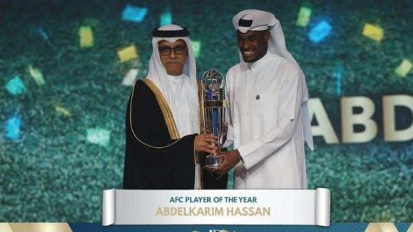 القطري عبد الكريم حسن يتوج بجائزة افضل لاعب في اسيا 2018
